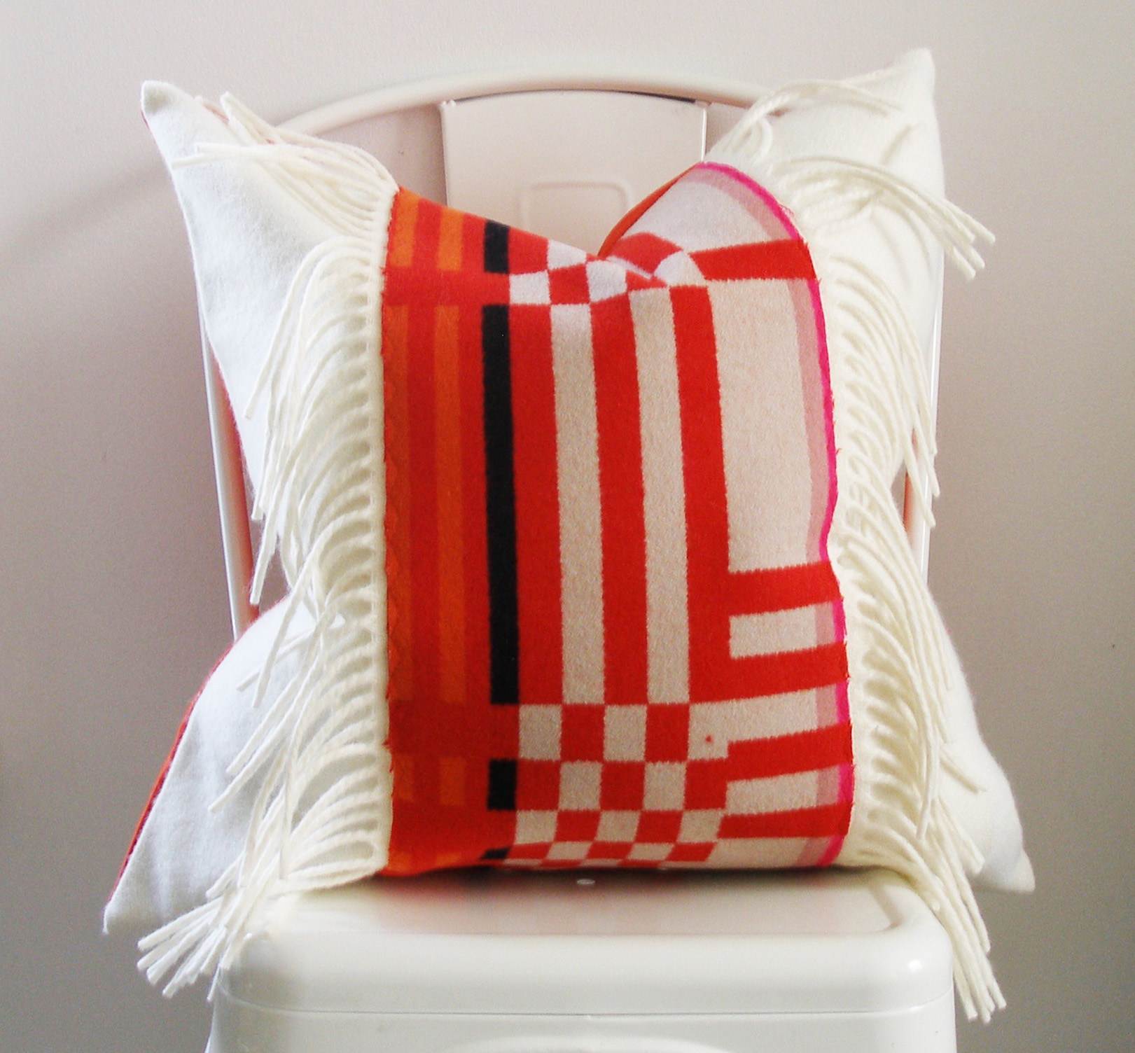 The Modern Pillow : MODERN GEOMETRIC WITH FRINGE Studio Tullia